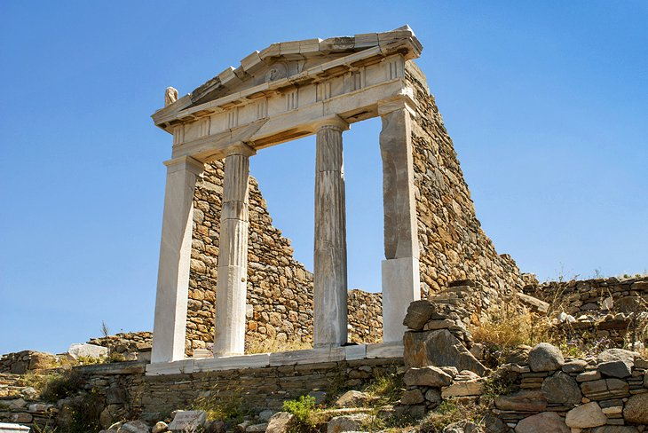 greece-delos-temple-of-isis