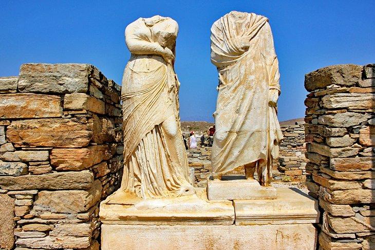 greece-delos-top-attractions-house-of-cleopatra